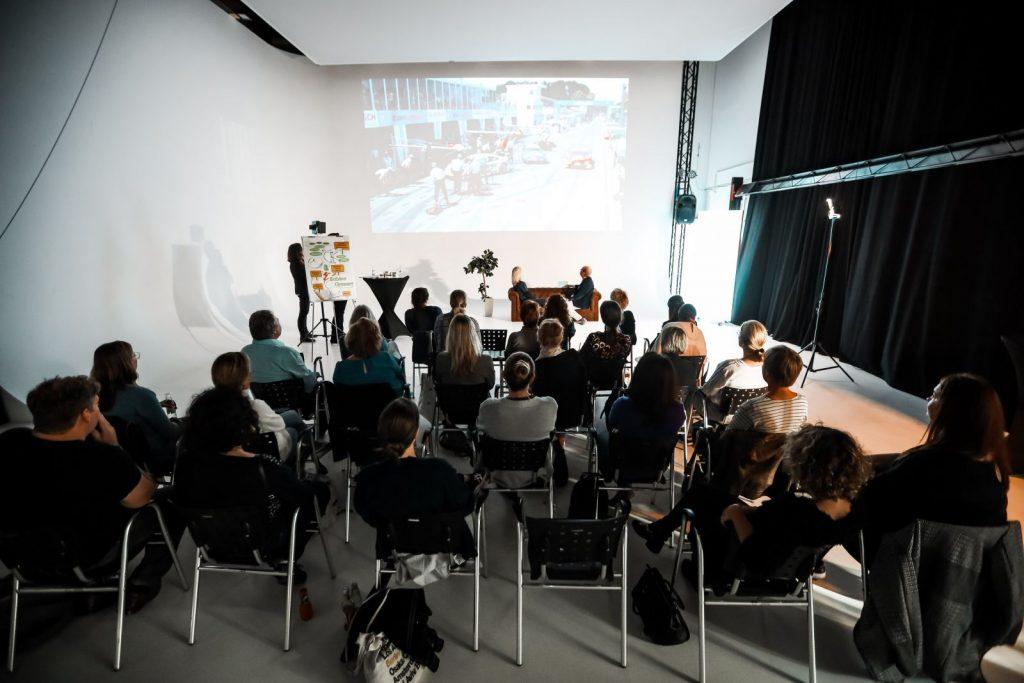Unternehmerabend im Studio Duisburg beim Vortrag