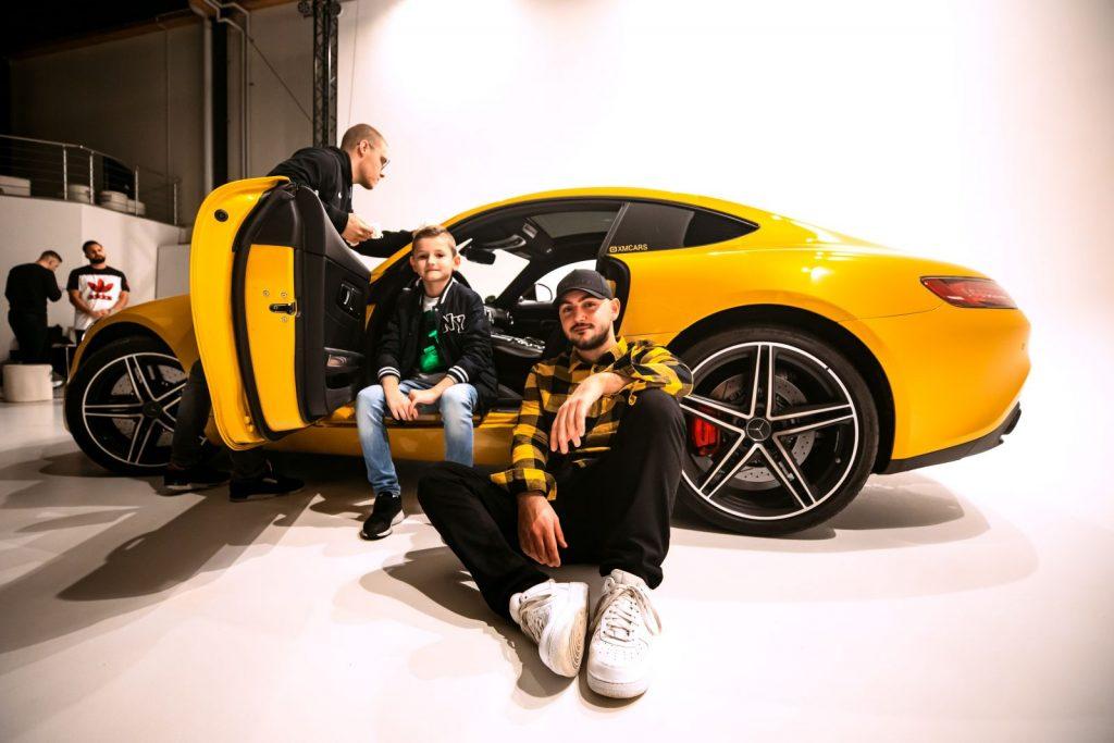 Drago jf produziert im Studio Duisburg auch mit den kleinen Fans an seiner Seite