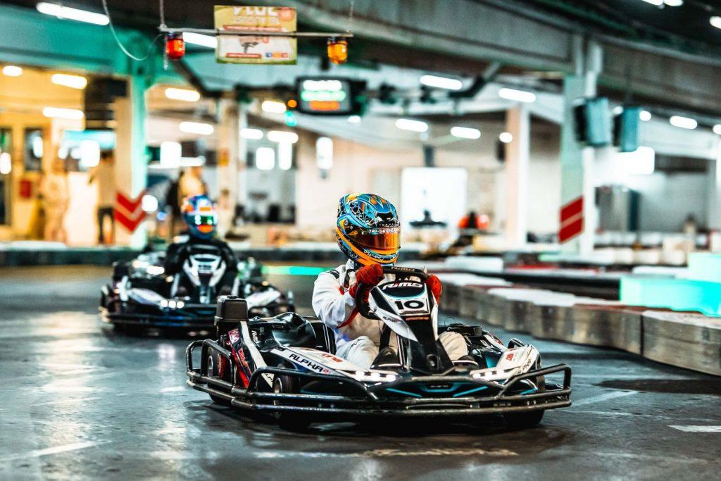 """<img src=""""Race4Hospiz.jpg"""" alt=""""Fahrer im Kart"""" title=""""Race4Hospiz-Kartbahn"""">"""