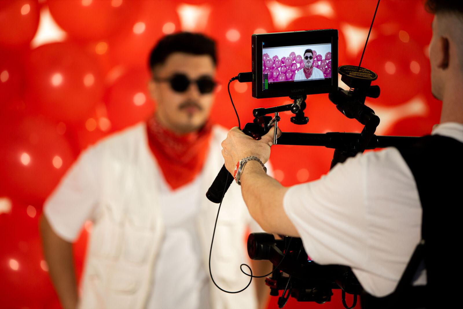 alt=Luca Lederer produziert Musikvideo