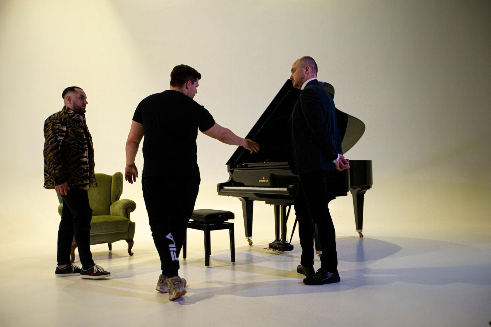 alt=Nico Herpes produziert im Studio Duisburg